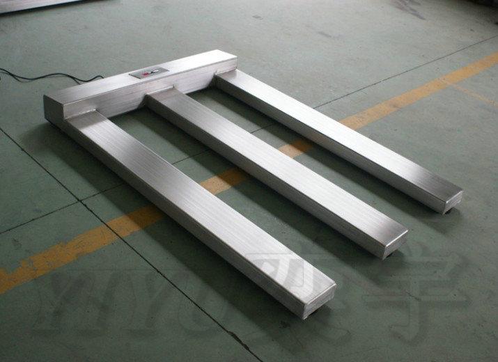 E型电子地磅可选用全不锈钢材质,表面经抛光、拉丝处理制作