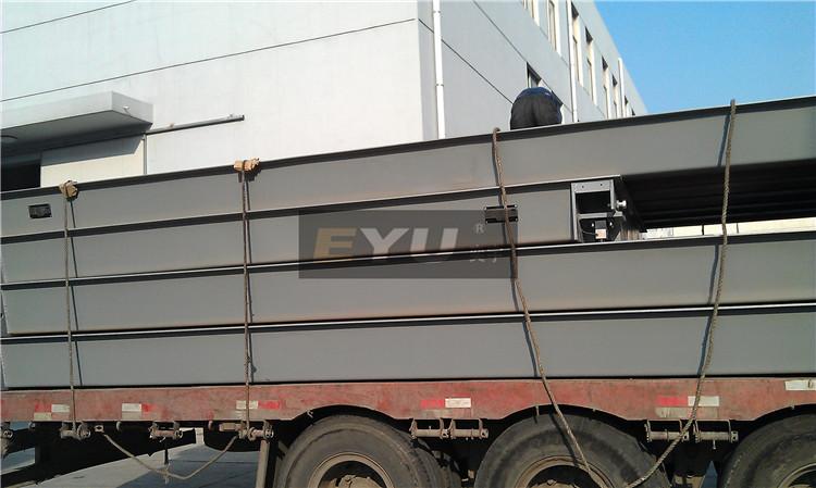 100吨大地磅等待运输